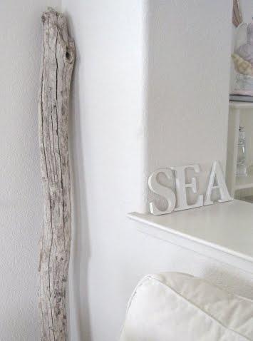 белый цвет в элементах декора